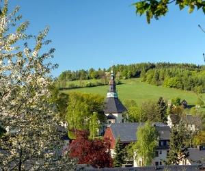 Blick-Kirche-E-Schalling