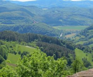 Blick-vom-Hanstein-zum-Ludwgistein1(c)Claudia-Krabbes