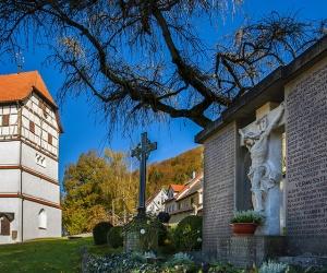Friedhofskirche-St-Peter-und-Paul3
