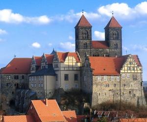 Quedlinburg-Blick-auf-Schloss-Degen-2014