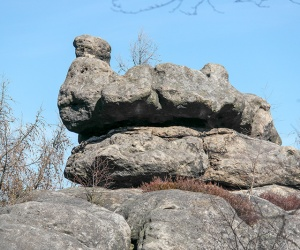 Steingebilde-auf-dem-Töpfer