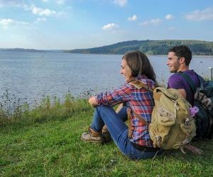 Wandern-am-See-(Archiv-Tourismusverband-Fränkisches-Seenland-und-seiner-Partner)