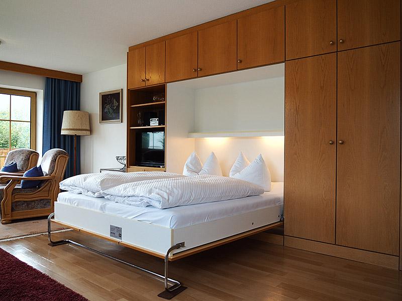 appartementhaus moos. Black Bedroom Furniture Sets. Home Design Ideas