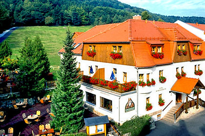 Rübezahlbaude Waltersdorf &  Familienhotel Hubertusbaude