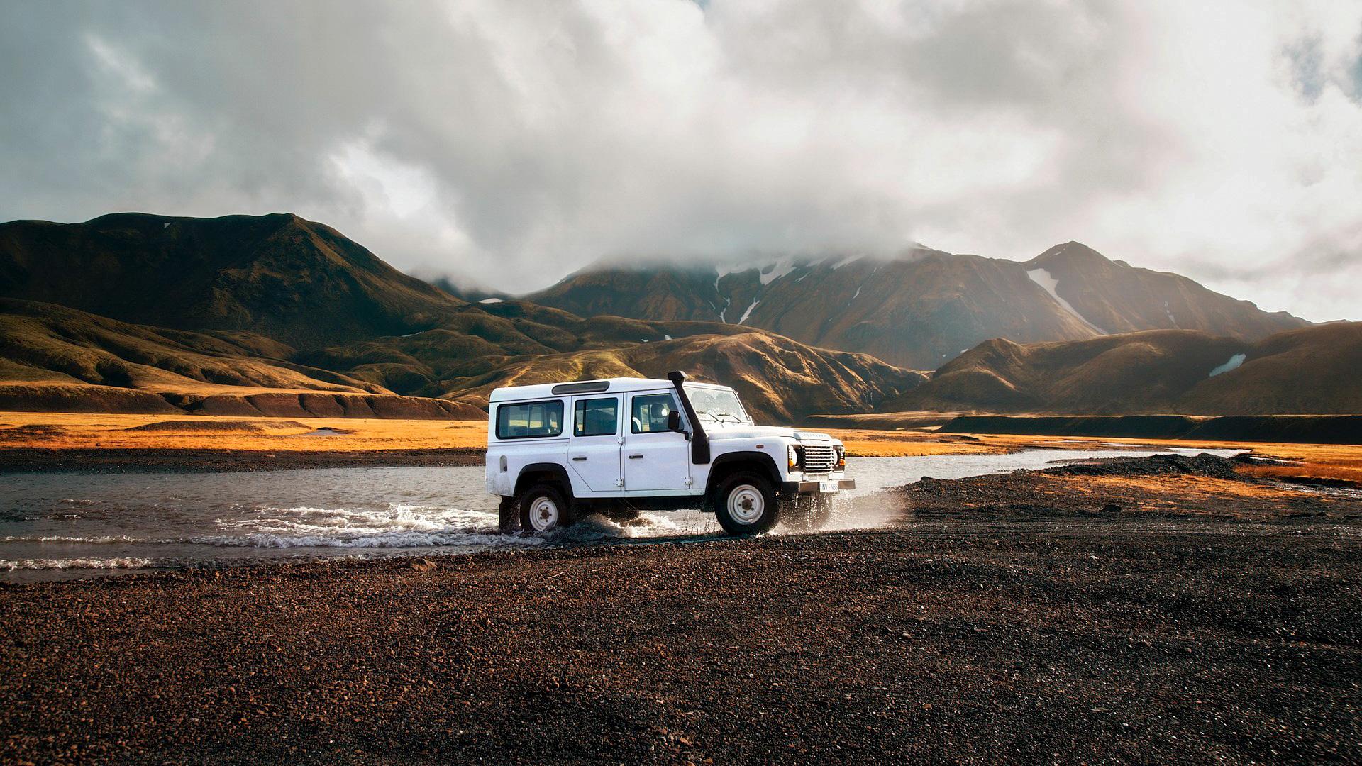 Starten Sie mit dem Mietwagen-Vergleich für Island zu Ihrer Traumreise auf die Insel aus Feuer und Eis