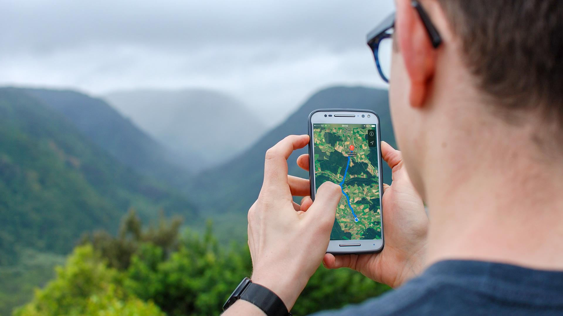 Mit dem Smartphone im Urlaub: das sollten Sie wissen
